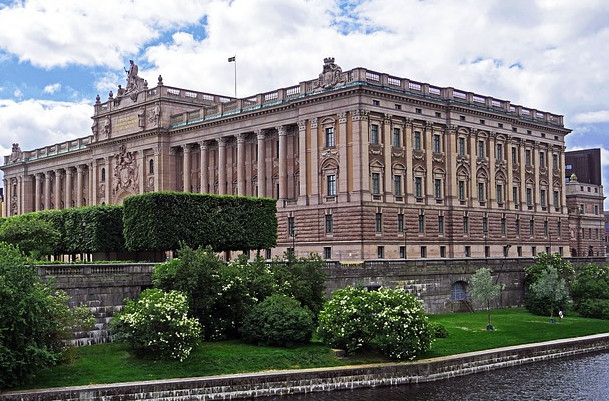 Sveriges Riksdag svéd jelen idő parlament