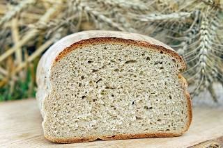 Partizip Perfekt - das im Geschäft gekaufte Brot