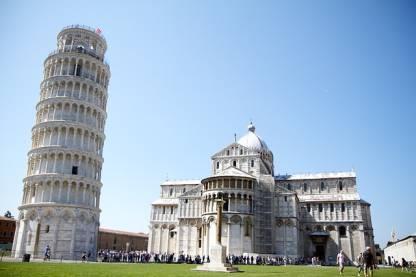 megrövidült főnévi igenév olasz Pisa Torre Pendente