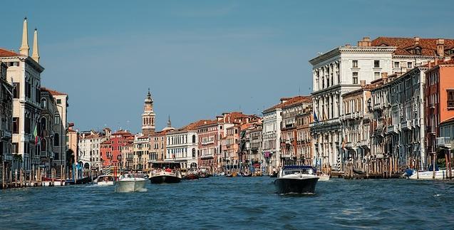 Olasz vonatkozó névmások, Velence, Canal Grande