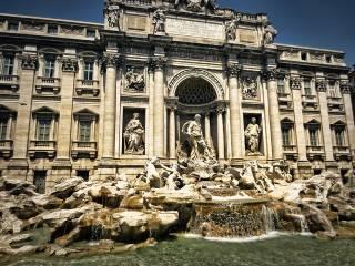 olasz ne Fontana dei Trevi Roma