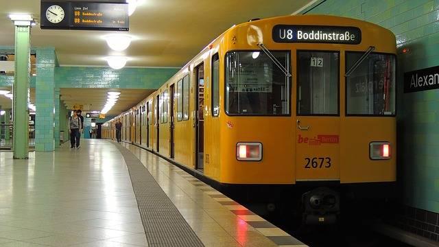 bűnös német főnevek Berlin metró
